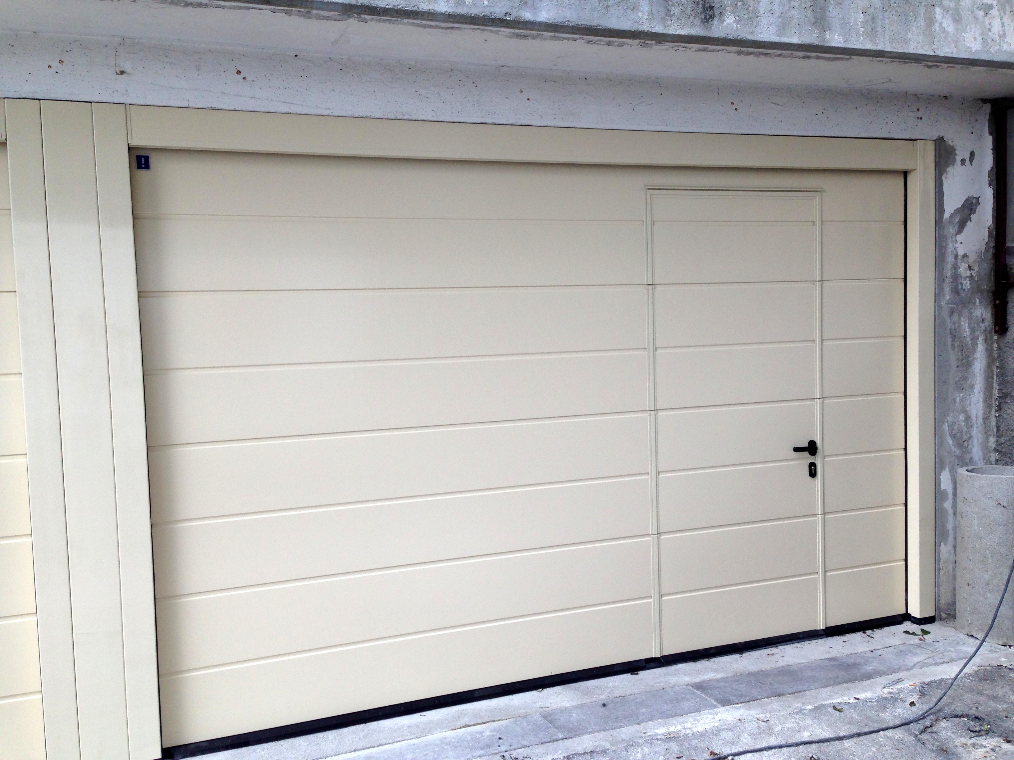 Garagentor mit integrierter tür  HÖRMANN LPU 40 mit integrierter Schlupftür » Harrasser Gmbh Bruneck